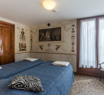 Room with Frescoes and Canal View Foresteria Valdese