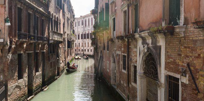 Canale di fronte alla Foresteria Valdese Venezia